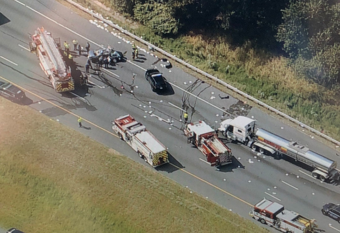 A multivehicle pile-up on I-95 in Maryland sealed lanes on Thursday, Sept. 12, 2019. (NBC Washington/Brad Freitas)